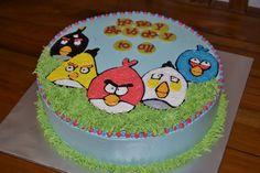 Angry Bird 1 (code:54 ) Fondant   Montreal Custom Cakes