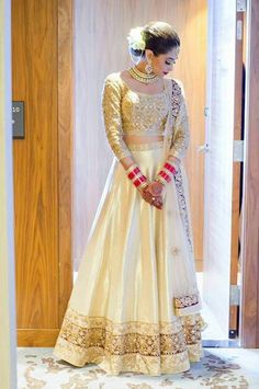Beautiful #lahenga #India #ethnic #traditional #white and #gold #Silk