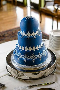 Love this something blue cake!