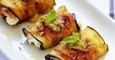 Délicieux roulés d'aubergines au jambon, ricotta et olives. Faciles et pratiques à faire à l'avance.