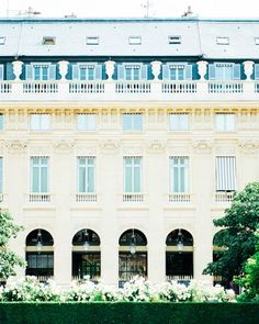 15 Unexpected Places to Propose in Paris | Martha Stewart Wedding