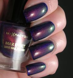 MaxFactor Fantasy Fire. Multichrome shimmer shifts from red to copper to gold to green and depending on the angle the light hits the nails even turquoise.