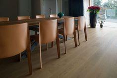 Parquet Corà per la tua casa in stile contemporaneo E Design, Dining Table, Furniture, Home Decor, Home, Parquetry, Decoration Home, Room Decor, Dinner Table