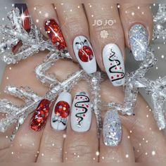 53 Trendy Pool Party Nail Art Designs To Try This Summer party time nail art Christmas Gel Nails, Xmas Nail Art, Holiday Nail Art, Christmas Nail Art Designs, Nail Designs Spring, Cute Nail Designs, Nagel Blog, Party Nails, Trendy Nail Art