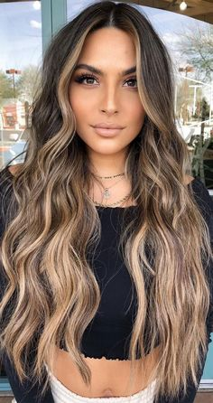Brunette Hair With Highlights, Brown Hair Balayage, Brown Blonde Hair, Hair Color Balayage, Light Brown Hair, Ombre On Brown Hair, Brown Highlighted Hair, Highlights For Brunettes, Cinnamon Brown Hair Color