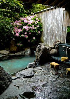 行きた〜い!Personal hot spring bath, Ureshino Onsen, Saga Prefecture, Japan Jardin Feng Shui, Guide To Japanese, Japanese Style, Japanese Nature, Traditional Japanese, Japanese Hot Springs, Pavillion, Zen Garden Design, Landscape Design