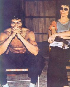 Bruce and Linda on the set of Enter the Dragon.