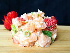 Tartare de saumon, fraises et mayonnaise épicée