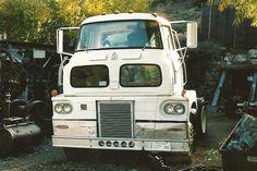 1963 International Harvester COE (cab over engine) truck. by 1971 Charger R/T Freak, via Flickr