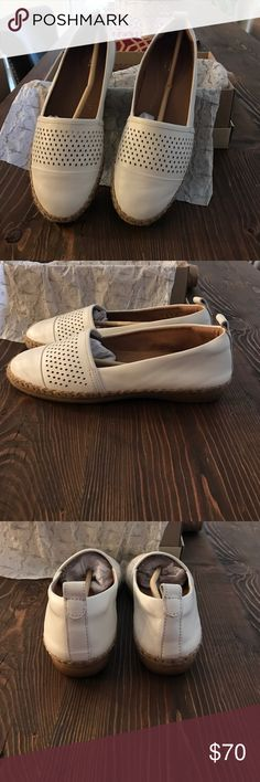 Reeney Helen White Leather Cuir Blanc Clark Shoes Brand new Clarks. Only worn once. Clarks Shoes Flats & Loafers