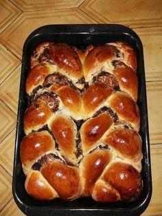 Hungarian Desserts, Hungarian Recipes, Sweet Desserts, Sweet Recipes, Dessert Recipes, Bread Dough Recipe, Winter Food, Sweet Bread, Bread Baking