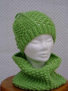 Bonnet, chapeau femme en laine verte