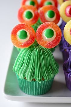 Monster Party Cupcakes. If only I could be arsed.