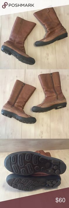 UGG boots leather weatherproof lined Sz 10 UGG leather boots brown Sz 10 sheerling lined with zipper sides and hard soles , weatherproof . needs inserts , comes without inserts . I bought mine online . Great winter boot ...warm. Pre- loved . No defects UGG Shoes Winter & Rain Boots
