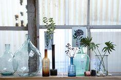 Butle i grube recyklingowane szkło - fot. House Doctor