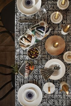 Marimekko fabrics - Buy online from Finnish Design Shop. Discover Unikko and other Marimekko fabrics for a modern home! Come Dine With Me, Marimekko Fabric, New Nordic, Haida Art, Mood And Tone, African Textiles, Japanese Patterns, Textile Patterns, Floral Patterns