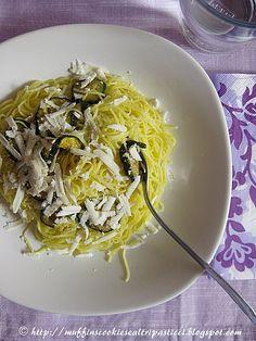 Maccheroncini di Campofilone con zucchine fritte e ricotta salata by **Alessia**, via Flickr
