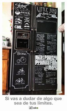 Ideas de decoración para los frigoríficos Side By Side. Combiértelo en una pizarra.