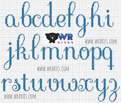 Resultado de imagem para olaf em ponto cruz Embroidery Alphabet, Diy Embroidery, Cross Stitch Embroidery, Book Folding Patterns, Back Stitch, Cross Stitching, Cross Stitch Letters, Cross Stitch Borders, Alphabet Charts