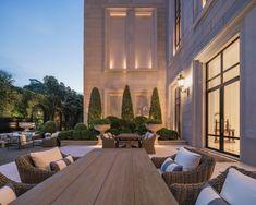 Classic House Exterior, Classic House Design, Dream Home Design, My Dream Home, Dream House Interior, Luxury Homes Dream Houses, Home Interior Design, Villa Design, Exterior Design