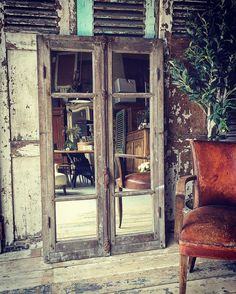 A little bit in love with this beautiful vintage mirrored window frame! #interiordesign #love #wantone #vintagefurniture #window #mirror #windowframe by louisagraceinteriors