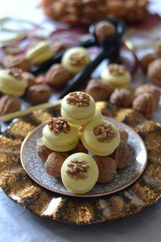 Walnut & Honey Macarons