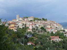 Vezzano Ligure is a small town at the top of a mountain.