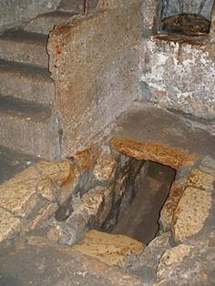 Tomb of Lazarus: #18105