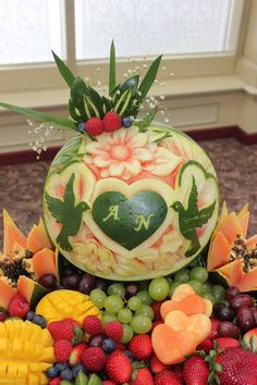 Watermelon Carving Easy, Appetizer Recipes, Appetizers, Portuguese Recipes, Baby Knitting Patterns, Fruits And Vegetables, Food Art, Food And Drink, Display
