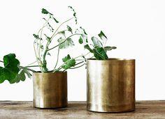 brass pots. by artilleriet.