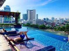 Sizzle up your Bangkok trip! Time to enjoy these 11 hotels with infinity pools and bathtubs with mind-blowing views.