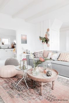 Retro home decor - Eye Pleasing ideas. diy retro home decor living rooms easy smashing idea ref 1953172196 posted on this day 20190415 Home Living Room, Home Furniture, Home Decor, House Interior, Living Room Inspiration, Home Interior Design, Interior Design, Living Decor, Home And Living