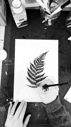 ✔ Drawing Flowers Videos Black And White Black Ink Art, Black And White Drawing, Zentangle, Fossil, Cocoon, Watercolor Video, Flower Video, Christmas Drawing, Botanical Drawings