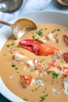 Restaurant Quality Lobster Bisque In this creamy Lobster Bisque Recipe you'll find chunks of sweet lobster meat in a beautifully rich, seasoned broth made from the strained liquid of the sautéed lobster shells, vegetables and herbs. Lobster Recipes, Fish Recipes, Seafood Recipes, Cooking Recipes, Yummy Recipes, Meal Recipes, Chicken Recipes, Chowder Recipes, Lobster Gumbo Recipe