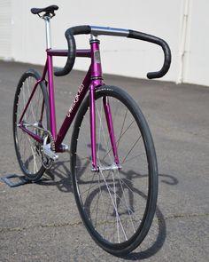 Épinglé sur Vélo coursier Sur le tableau Vélo coursier Catégorie