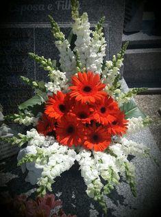 Altar Flowers, Church Flower Arrangements, Church Flowers, Beautiful Flower Arrangements, Funeral Flowers, Floral Arrangements, Beautiful Flowers, Wedding Flowers, Flower Decorations