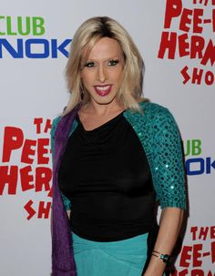 Alexis Arquette Is An American Actress Musician And Cabaret Performer She Known For Her Work On Pulp Fiction The Wedding Singer Bride Of Chucky