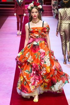 Dolce & Gabbana Spring 2018 Ready-to-Wear | Fashion One Russia News