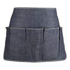 I like this denim work apron for the garden - think I could use all those old jeans I have lying around to do something similar.