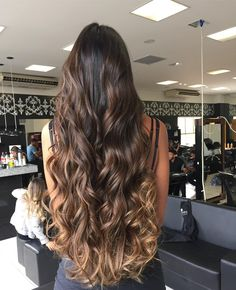 37 Balayage Hairstyles: Inspiration Guide and Trends in 2019 - Μπαλαγιάζ Short Hair Styles Easy, Medium Hair Styles, Curly Hair Styles, Natural Hair Styles, Easy Hairstyles For Long Hair, Diy Hairstyles, Straight Hairstyles, Brown Hairstyles, Bridal Hairstyles