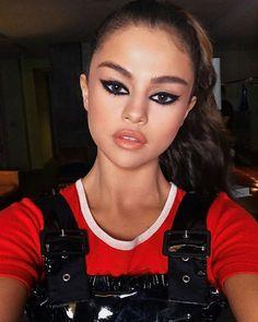 @hungvanngo: When babe gave us only 15 mins to get her ready for @theweeknd's concert tonight  @selenagomez   @kateyoung  @daniellepriano   @hungvanngo: Cuando baby nos dio sólo 15 minutos para que esté lista para el concierto de @theweeknd esta noche  @selenagomez   @kateyoung  @daniellepriano   #SelenaGomez #Selena #Selenator #Selenators #Fans