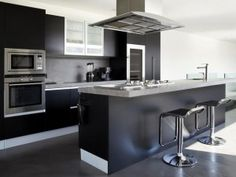 _Black-kitchen-island_
