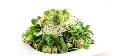 Groene salade met avocado en quinoa