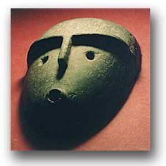 Máscara funeraria. Piedra. Cultura alamito.