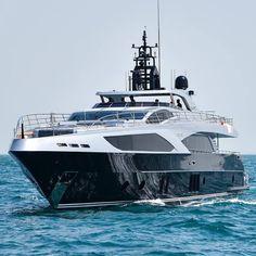 """GHOST II"" Majesty Yacht 122"