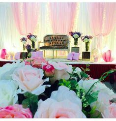 Pastel, simple wedding pelamin