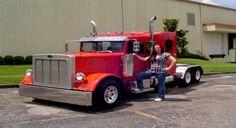 Lil Big Rig Mini Semi Tractors pickup truck converted into a Pete! Big Rig Trucks, Mini Trucks, Cool Trucks, Small Trucks, Peterbilt Trucks, Chevy Trucks, Pickup Trucks, Tow Truck, Truck Drivers