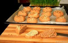 Painici integrale de casa Biscuit, Food To Make, Muffin, Bread, Homemade Food, Baking, Mai, Breakfast, Kitchen