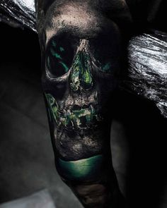 Photo - Awesome 2 colors realistic tattoo style of Green Lantern skull motive done by tattoo artist Sandry Riffard Evil Skull Tattoo, Skull Sleeve Tattoos, Skull Tattoo Design, Life Tattoos, Body Art Tattoos, Tattoos For Guys, Green Lantern Tattoo, Tattoo Caveira, Rabe Tattoo