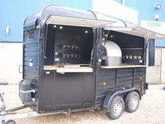Our clients visons and our expertise combined. A wood burning pizza oven in a van, mirrored walls, oak worktops, a fully equipped mobile bar. Catering Van, Catering Trailer, Food Trailer, Catering Ideas, Food Trucks, Pizza Food Truck, Mobile Bar, Converted Horse Trailer, Horse Box Conversion